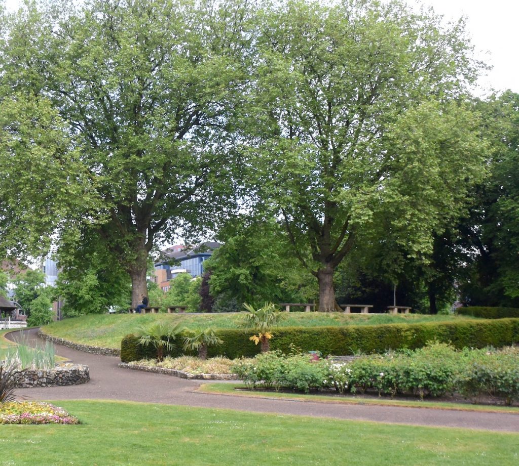 The  Forbury Gardens in the centre of Reading, Berkshire, allowed me to take a welcome break from my explorations