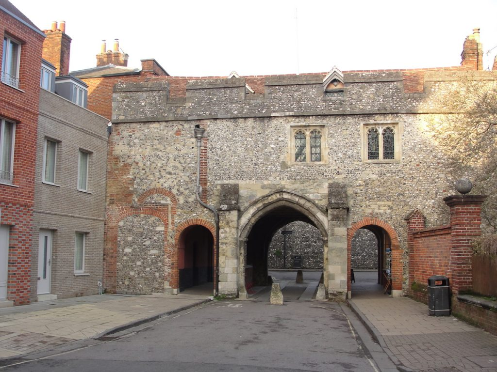 King's Gate from the south It is possible that there was a gate here in the walls of Winchester in King Alfred's time, giving access to a royal residence.